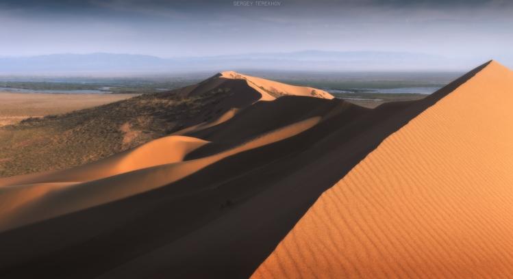 Dunes chantantes d'Altyn Emel Kazakhstan / crédit about Kazakhstan