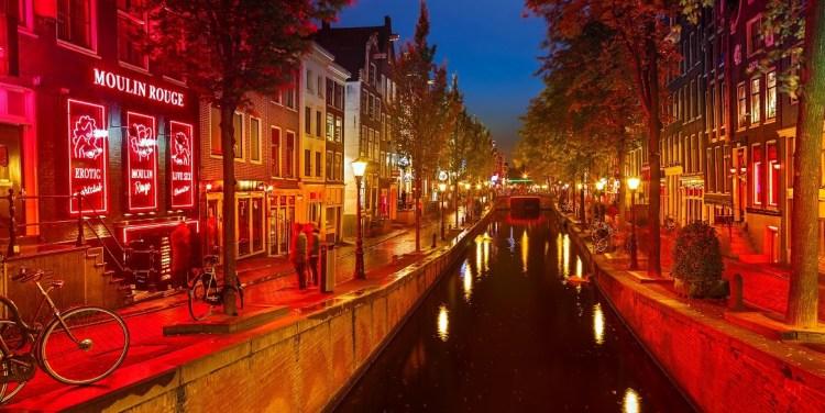 Amsterdam-Red-Light-District-2